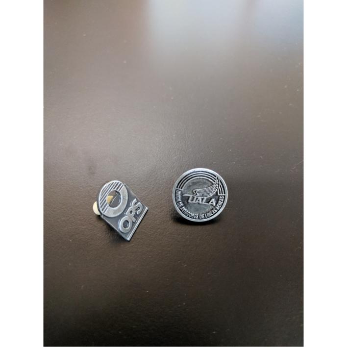 Pin moldeado plata antigua